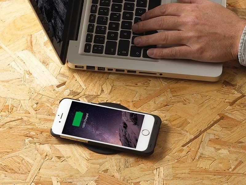 minibatt mp ip7 schutzh lle qi ladefunktion iphone 7 plus. Black Bedroom Furniture Sets. Home Design Ideas